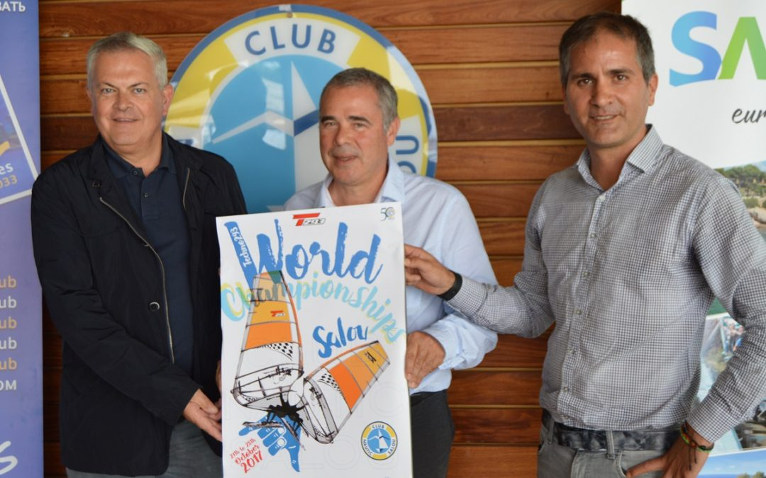 El Club Nàutic Salou fa un salt i acull el Mundial de Surf Techno 293