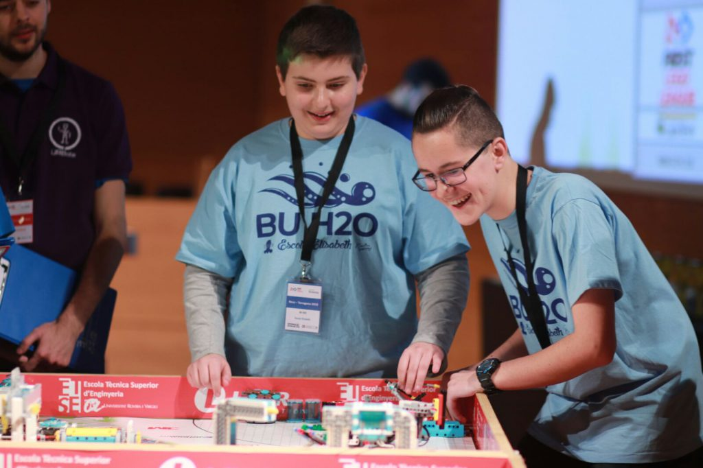 Participants a l'edició 2018 de la First Lego League.