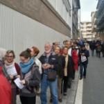 Cues per votar a Reus a l'inici del 9N
