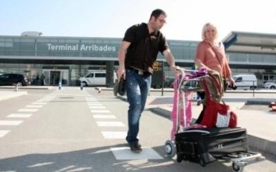 Cs denuncia que ni l'aeroport de Reus ni el port de Tarragona podran rebre turistes