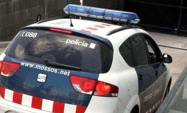 Un mosso fora de servei pren les claus a un conductor begut que quadruplicava la taxa d'alcoholèmia a Montbrió