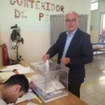 Roc Muñoz vota en una jornada tranquil·la i sense incidents