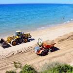 Costes regenera la sorra de la platja Punta d'en Guineu