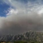 Mil hectàrees cremades a la Catalunya central on bombers tarragonins treballen en les tasques de control de l'incendi