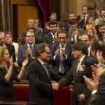 Carles Puigdemont esdevé president amb vuit vots de la CUP i tirarà endavant el procés