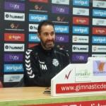 Vicente Moreno es marca com a objectiu arribar a les últimes cinc jornades amb opcions d'ascens a primera