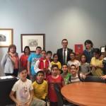 Els alumnes del Centre Obert visitan l'Ajuntament de Constanti per conèixer les dependències