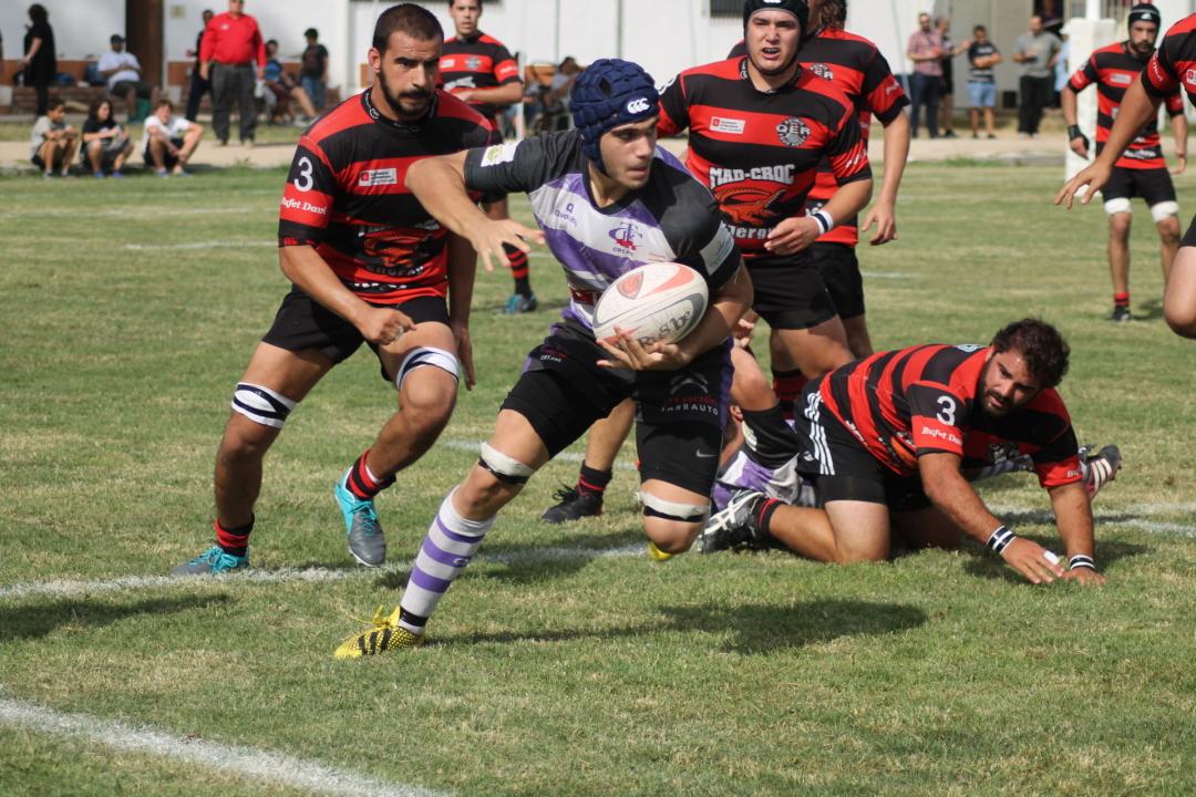 Una jugada del partit del Club Rugby Tarragona. Foto: Cedida