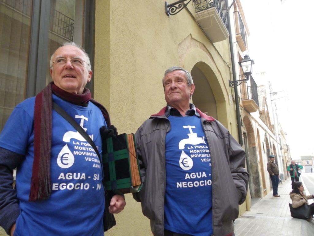 Membres del Moviment Veïnal la Pobla de Montornès. Foto: Romà Rofes / Tarragona21.cat