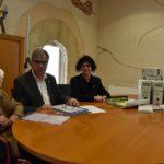 Maria Rosa Wennberg dóna a Torredembarra documentació i material gràfic i audiovisual