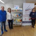 Tennis Salou H2O fa una donació de llibres a la biblioteca de Salou