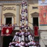 La Jove de Tarragona carrega el tres de deu amb folre i manilles a la primera diada de Santa Tecla
