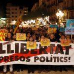 Més de mil persones demanen a Tarragona la llibertat de Junqueras, Forn i els Jordis