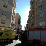Tres persones rescatades arran d'un incendi en un pis del carrer dels Banys de Reus