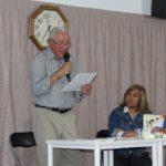 130 persones assisteixen a la presentació de 'Las Fábulas del Abuelo' de Francesc Cuenca