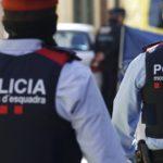 Detinguts dos homes a Roda de Berà després de clavar una navalla a la cama d'una persona a qui volien robar