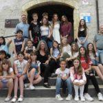 Més d'una vintena de nois i noies participen a l'Exposició de Dibuix i Pintures de Joves Artistes