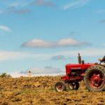 Mor un home de 77 anys en caure-li a sobre un tractor a Salomó