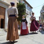 Els Pallaresos celebra 'el Patró' amb una nova gegantona