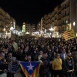 Unes 2.000 persones participen a Tarragona en la manifestació unitària pel 21-D