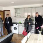 Roda de Berà ja compta amb un pis d'emergència social totalment equipat