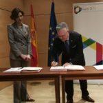 L'alcalde Granados signa el protocol per donar impuls a la Red de Destinos Turísticos Inteligentes