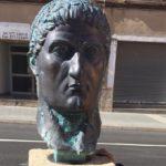 Constantí dedica un bust a l'emperador que li dóna nom a l'Avinguda Onze de Setembre