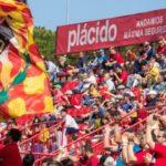 La plantilla subvenciona el viatge dels aficionats del Nàstic a La Romareda