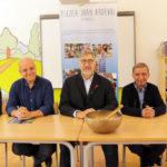 Cambrils posa en marxa un programa pilot de mindfulness a l'escola Joan Ardèvol