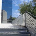 Cambrils instal·la 6 escales per accedir a la llera de la riera d'Alforja des de diferents punts