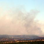 Els Bombers de la Generalitat continuen amb 50 dotacions a l'incendi de la Ribera d'Ebre