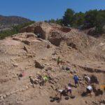 Les excavacions al jaciment de l'Assut de Tivenys descobreixen nous edificis defensius associats a la muralla
