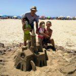 La platja del Regueral de Cambrils acollirà un concurs de castells de sorra el 6 de juliol