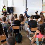 La Policia Local de Cambrils incorpora nous tallers sobre violència i medi ambient a l'oferta educativa