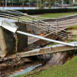 Salou i Cambrils es recuperen dels aiguats, que deixen la via del ferrocarril tallada
