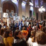 Multitudinària manifestació contra la sentència del procés a la plaça de la Font