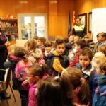 L'alumnat de P5 de l'Escola Cambrils visita l'Ajuntament
