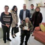 Pere Granados felicita Dolores Novell Bofarull pel seu 100 aniversari
