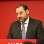 El PSOE rebutja la gran coalició amb el PP i no descarta un govern amb Podem gràcies al 'sí' de Cs