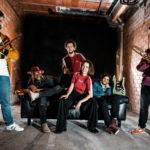 Bemba Saoco ofereix un concert de 360º a la Canonja
