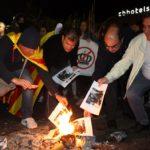 Unes 300 persones cremen imatges del Rei a Tarragona