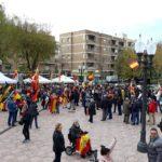 Unes 200 persones defensen la unitat d'Espanya a la plaça de la Constitució de Tarragona
