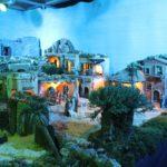 Francesc Sentís i Pere Vivancos mantenen viva la tradició del pessebre monumental de Creixell