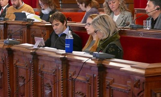 Junts per Tarragona proposa suprimir l'aigua envasada i els gots de plàstic a totes les dependències municipals
