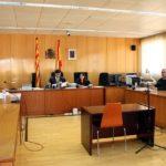 Condemnada a 5 anys de presó per calar foc a un pis de Reus amb l'exparella a dins