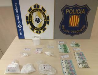 Detenen dues persones i desmantellen un punt de venda de droga a Reus