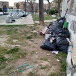 Vuit sancionats a Tarragona per llençar mobles al carrer