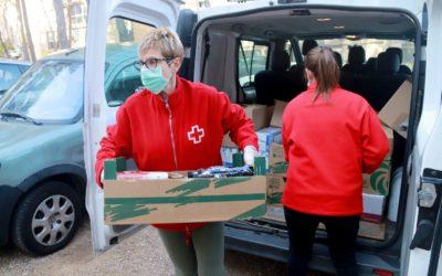 Creu Roja Tarragona amplia el sistema de repartiment d'aliments a domicili pel coronavirus