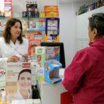 Les farmàcies començaran dilluns a distribuir les màscares sanitàries