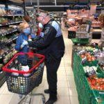 Denuncien 34 veïns de segona residència mentre fan la compra en supermercats de Torredembarra